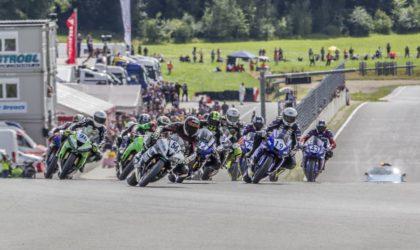 IDM Supersport 600: Thomas Gradinger mit dem Doppelsieg in Schleiz